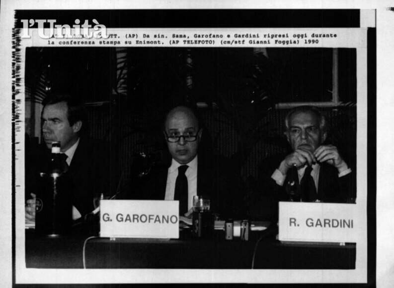 Una foto storica tratta dall'archivio de L'Unità che vede in conferenza stampa al centro Giuseppe Garofano, a destra Raul Gardini e a sinistra il cognato Enrico Sama. Correva l'anno 1990.