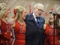 I risparmiatori di tutto il mondo (compreso Warren Buffett) guardano ora febbrilmente a Wall Street.